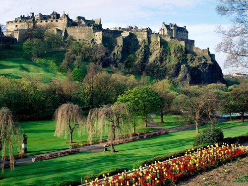 Visitar castillos escoceses con descuento