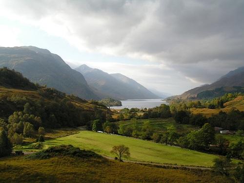 El País de los árboles gigantes en Escocia