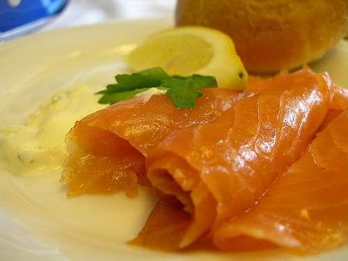 Como preparar salmón ahumado escoces
