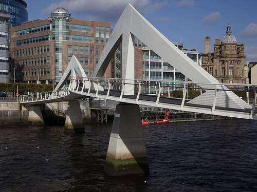 Puente Tradeston